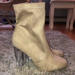 Shoes - NWT Tan booties